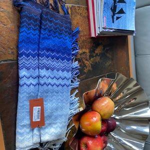 Mission scarf NWT